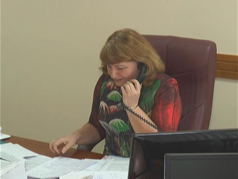 Проблемы не остаются без внимания. В субботу на «прямую телефонную линию» в Лиде поступили шесть обращений, одно из них касалось состояния дороги у 17-й школы.