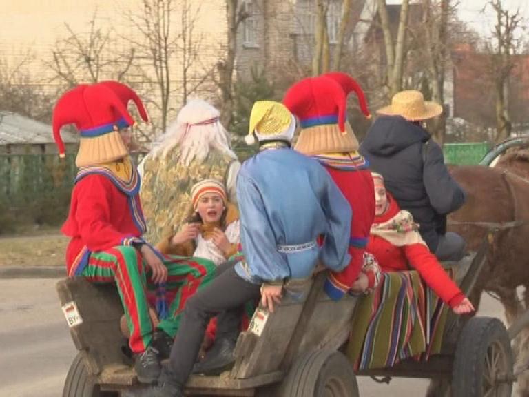 Звучали музыка и песни и всюду раздавался запах блинов. Агрогородок Дворище пригласил сельчан и горожан на праздник блинов.