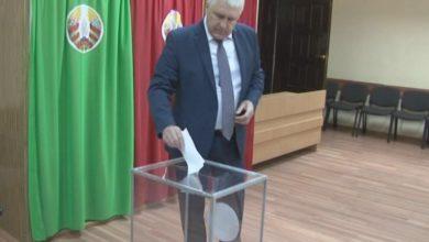 Photo of Свой выбор сегодня сделал и председатель Лидского райисполкома Михаил Карпович
