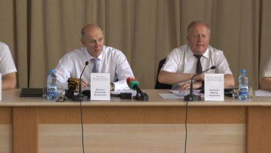 Photo of Пресс-конференцию для журналистов провел председатель Гродненского облисполкома Владимир Кравцов