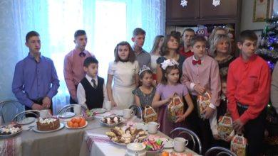 Photo of Новогодние подарки от Лидского райисполкома в рамках акции «Наши дети» получили 22 воспитанника двух детских домов семейного типа