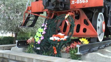 Photo of У памятника воинам-железнодорожникам собрались сегодня председатели ветеранской и профсоюзной организаций, и сотрудники Локомотивного депо Лида