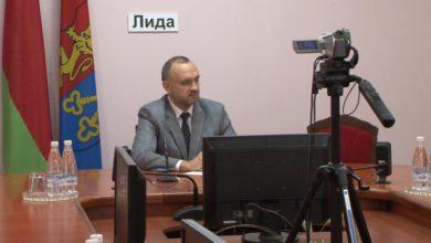 «Прямую телефонную линию» и прием граждан провел в Лиде председатель экономического суда Гродненской области Денис Валдайцев