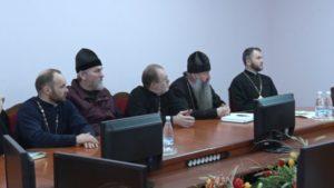 Председатель Лидского райисполкома Сергей Ложечник провел встречу с православными и католическими священниками