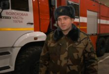 Солдату срочной службы 116-йштурмовой авиабазы Максиму Орловскому вручены часы от министра обороны