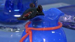 Березовский стеклозавод выпустил к праздникам специальную коллекцию