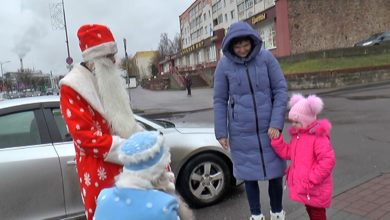 Дед Мороз и Снегурочка радио «Лидер ФМ» и «Твоё радио» совершили путешествие по городу