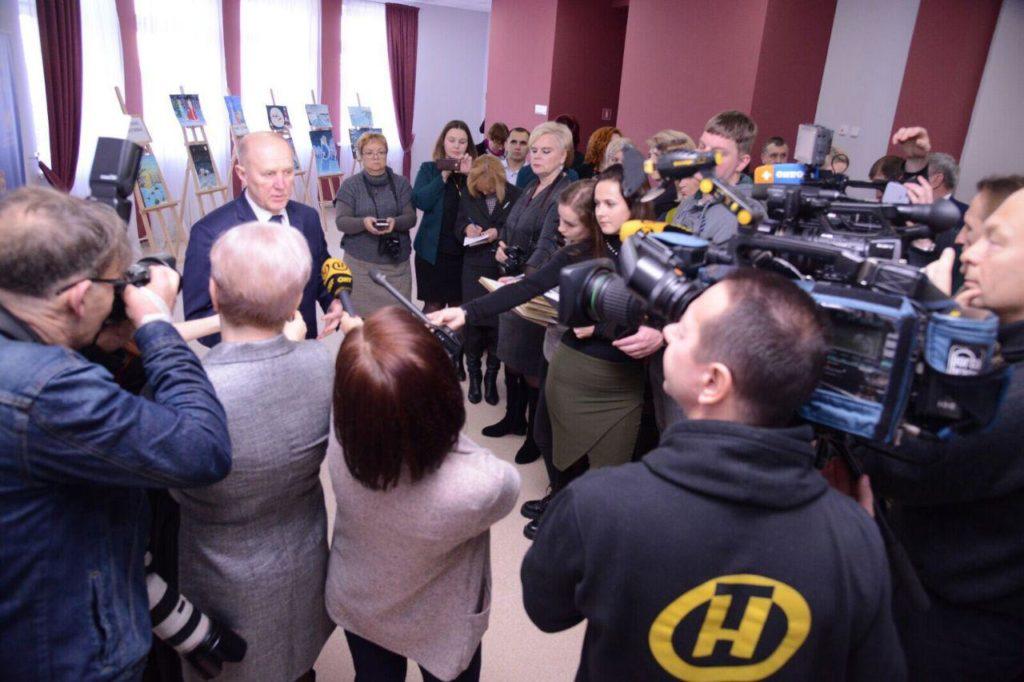 В Скиделе проходит пресс-конференция с Владимиром Кравцовым