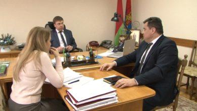 Председатель Лидского райисполкома Сергей Ложечник провел «прямую телефонную линию»