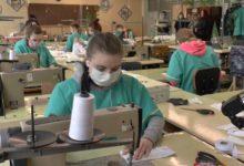 Photo of Учащиеся Лидского профессионального политехнического лицея начали пошив защитных тканевых масок для лица