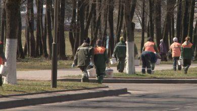 Photo of Лидские коммунальщики ведут работы по благоустройству города
