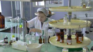 В аптеке №146 начали производить средство для обработки рук по рецептуре ВОЗ