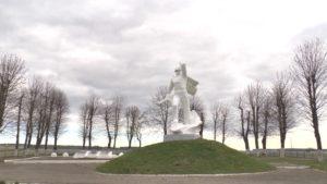 В Лидском районе благоустраиваются памятники, связанные с событиями ВОВ