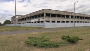 Заброшенный недострой по улице Качана станет торговым центром