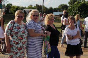 На дожиночной площади у Дворца культуры для жителей и гостей города Лиды выступали звёзды белорусской эстрады, а также творческие коллективы Дворца культуры города Лиды.