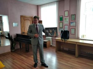 Участок для голосования посетил председатель Лидского райисполкома Сергей Ложечник