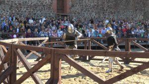 Лидский замок пригласил на рыцарский турнир