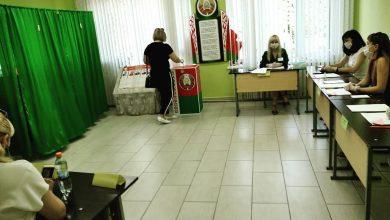 Photo of Лидчане проявляют активность в основной день голосования с первых минут работы избирательных участков
