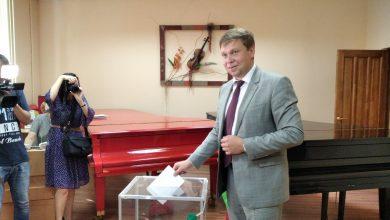Photo of Участок для голосования посетил председатель Лидского райисполкома Сергей Ложечник