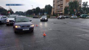 На автодорогн Минск-Гродно произошло столкновение большегрузного автомобиля «Вольво» и колесного трактора