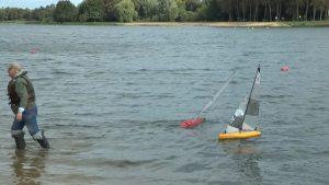 На Лидском озере прошли областные соревнования по судомодельному спорту