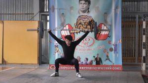 В Лиде стартовал Открытый областной новогодний турнир памяти основателя тяжёлой атлетики в Лиде Генриха Круповича