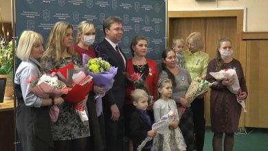 Семи многодетным мамам Лидчины в последние дни 2020-го вручен орден Матери