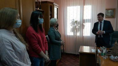 Коллектив Лидского телерадиообьединения с Новым годом поздравил председатель Лидского райисполкома Сергей Ложечник.