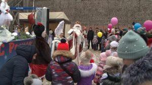 В выходные к главной елке приглашает арт-парад