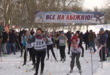 В Лиде организовали спортивный праздник «Лидская лыжня-2021»