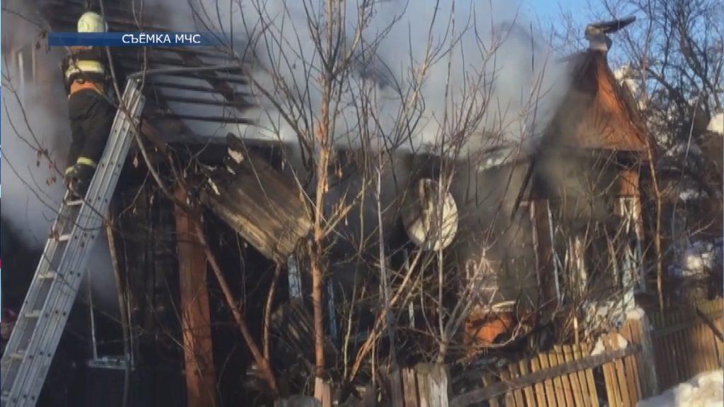18-го февраля в Лиде на улице Варшавской горел нежилой дом