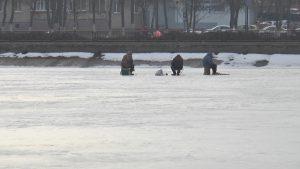 Лед с каждым днем становится все более хрупким