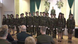 В шестой лидской школе десятиклассники произнесли торжественную клятву кадета