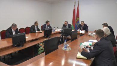 Прием граждан по личным вопросам и «прямую телефонную линию» провели Анатолий Дорожко и Виктор Корзун
