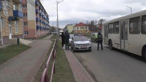 Спецтехника МЧС с включёнными проблесковыми маячками должна передвигаться по дорогам без преград