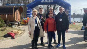 """Представители лидского клуба """"Белые львы"""" приняли участие в соревнованиях по весеннему заплыву"""