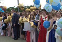 777 выпускников попрощались со школой в Лидском районе