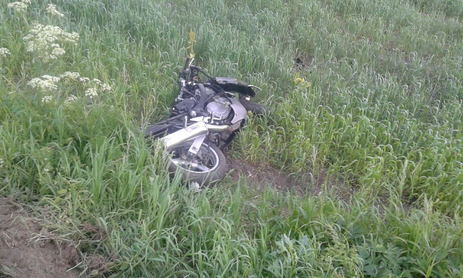 Вчера в Лиде на 11-м километре автодороги М-11 произошла авария, в которой пострадал мотоциклист
